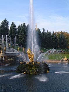Samson-Fontäne vor dem Grossen Palast, Peterhof