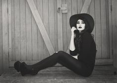 She Inside Black Collared Dress, Jeffrey Campbell Night Walkers, Vintage Sun Hat