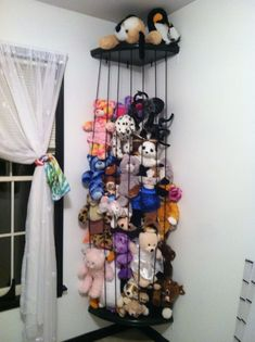 Blog - Animal ZOO This looks like the easiest AND cheapest way to make a stuffed animal zoo. This really looks so much better than an overstuffed toybox. #cheapkidsroomsdecor