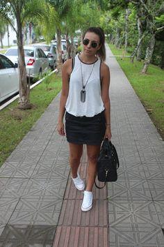 Nanda Pezzi: Regata, saia e All Star com salto Looks Style, Mom Style, Casual Looks, Summer Outfits, Cute Outfits, White Converse, Passion For Fashion, Womens Fashion, Fashion Trends