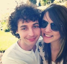 I am sooo happy that Stampy and Sqaishey are dating! They are a perfect couple! I hope they get married! ;)