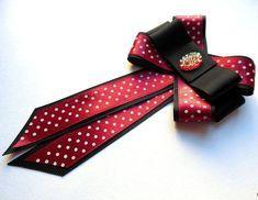 Resultado de imagen para bow brooch beige Ribbon Jewelry, Ribbon Art, Fabric Ribbon, Ribbon Bows, Fabric Flowers, Jewelry Crafts, Tie Crafts, Ribbon Crafts, Women Bow Tie