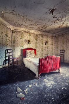 A forgotten hotel. Broken dreams by Sven Fennema, ……….TWO BITS, THE MAID DIDN'T…