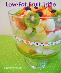 Low-Fat Fruit Trifle via @east9thstreet #coolwhip