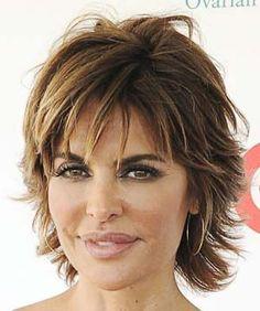 coiffure courte femme avec meche visage ovale