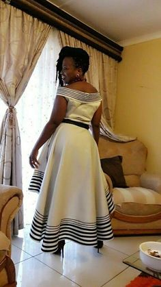 latest african fashion look 4629 African Print Dress Designs, African Print Dresses, African Print Fashion, Tribal Fashion, Xhosa Attire, African Attire, African Wear, South African Traditional Dresses, Traditional Wedding Dresses