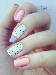 Uñas blanco rosa #lunares