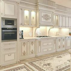 modern luxury kitchen design ideas that will inspire you 5 Kitchen Pantry Design, Luxury Kitchen Design, Home Decor Kitchen, Mansion Interior, Room Interior Design, Luxury Interior, Elegant Kitchens, Luxury Kitchens, Beautiful Kitchens