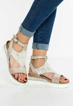 Shoes With Jeans, Birkenstock, Espadrilles, Footwear, Style, Fashion, Jeans Shoes, Accessories, Photography Ideas