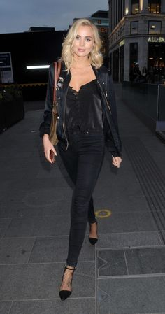 Ianthe Rose..... - Celebrity Fashion Trends