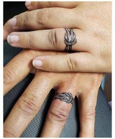 Finger Tattoos For Couples, Finger Tattoo For Women, Couple Tattoos, Tattoos For Guys, Tattoos For Women, Tattoo Couples, Ring Tattoo Designs, Couples Tattoo Designs, Bild Tattoos
