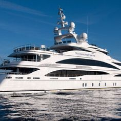 Motor yacht Diamonds are Forever launched by Benetti Yachts Yacht Luxury, Luxury Yacht Interior, Luxury Life, Luxury Travel, Luxury Boats, Benetti Yachts, Yachting Club, Cool Boats, Remo