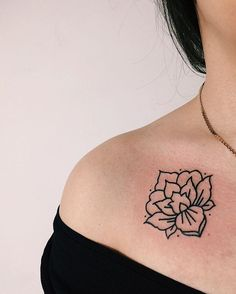 ✖️MBW.tattoos@gmail.com✖️    #marlonb_tatts #linework #moscowtattoo #sashatattooingstudio #ornamental #blxckink #blackink #blackwork #minimaltattoo #tattrx #btattooing #wowtattoo #inkedgirl #tattoospb