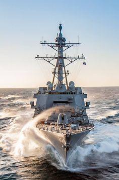 Us Navy, Royal Australian Navy, Navy Military, Navy Ships, United States Navy, Modern Warfare, Luxury Yachts, Battleship, Military History