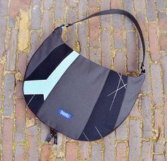 Estratto borsa semplice aumentabile grande borsa della borsa della borsa di tela borsa a tracolla reale genuino cinturino in pelle nera elegante di tutti i giorni borsa OOAK. E 'composto da quadri...