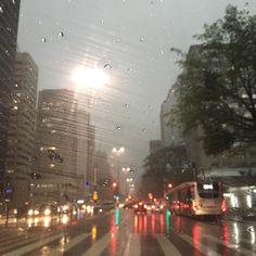 O dia virou noite aqui na Paulista  #materniarte #grupomamaesdesp #medo