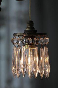 Shabby chic hanging lamp with crystals Mason Jar Sconce, Hanging Mason Jars, Edison Lampe, Decoration Shabby, Deco Luminaire, Vintage Lighting, Industrial Lighting, Vintage Chandelier, Lamp Shades