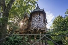 (Cool Camping) Quirky Places To Stay With The Kids In The UK: Blackberry Wood, East Sussex (Tucked away in the foothills of the South Downs National Park is Blackberry Wood, a fantastically wacky camping and glamping site, surrounded by lush woodland. Its impressive Hansel and Gretel-esque treehouse is ideal for little ones eager to live out a real-life fairytale. The house is perched up among the trees and is self-contained with a kitchen, wood-burning stove, outside terrace with…