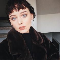 bla bla bla got a lot going on atm hehe Grown Out Pixie, Grow Out, Anna, Makeup, Instagram Posts, Lifestyle, Beauty, Fashion, Bag