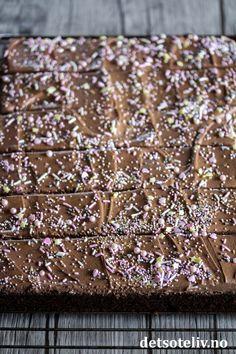 Norwegian Food, Norwegian Recipes, Sweet Recipes, Cake Recipes, Food Festival, Chocolate Cake, Cake Decorating, Baking, Desserts