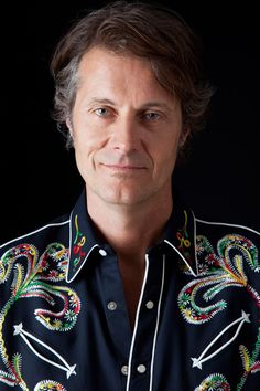 Jim Cuddy of Toronto - co founder of Blue Rodeo multiple Juno-winning officer of the Order of Canada and Canadian Music Hall of Famer Order Of Canada, Canadian History, Country Songs, Great Love, Love Songs, Rodeo, Singer, Rock Stars, Music