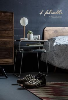 Nightstand / Bedside table white lacquered iron and by Habitables Loft Interior, Interior And Exterior, Interior Design, Bauhaus, Iron Table, High Quality Furniture, Solid Wood Furniture, Wood And Metal, Solid Oak