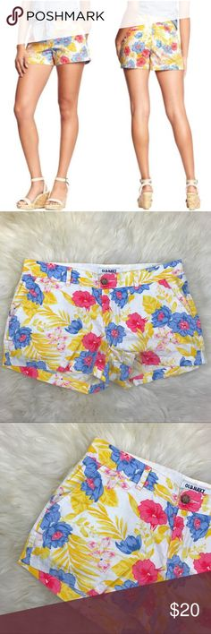 "Old Navy Multicolor Floral Print Chino Shorts In excellent used condition. 100% cotton. Measurements are 12"" in length, 9"" front rise, 3"" inseam, & 17"" across waist. Two front side pockets and two back pockets. Zipper on front center with button closure. ❌NO TRADES OR PAYPAL❌ Old Navy Shorts"
