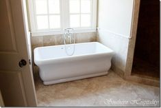 Love the look of this tub!