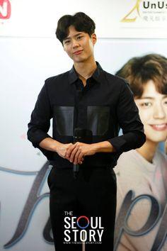 박보검 170217 싱가포르 기자회견 [ 출처 : The Seoul Story https://www.facebook.com/theseoulstorydotcom/posts/1446528542056277 ]