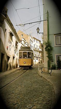 Carreira 28 Electrico - Lisboa - Portugal. Lisbon, Places To Go, Photography, Lisbon Portugal, Career, Landscapes, Fotografie, Photograph, Photo Shoot