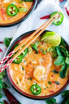Thai Coconut Curry Shrimp Noodle Soup Thai Coconut Curry Shrimp Noodle Soup recipe - One pot, 30 minute, creamy coconut curry soup with rice noodles, jumbo shrimp and tasty Thai flavors. Shrimp Noodles, Thai Shrimp Soup, Thai Chicken, Soup With Noodles, Curry Noodles, Asian Recipes, Healthy Recipes, Healthy Breakfasts, Thai Recipes