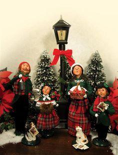 Znalezione obrazy dla zapytania choir christmas figures