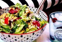 Les 8 restaurants à Montréal qui servent les meilleures salades Resto Montreal, Servent, Potato Salad, Restaurants, Chicken, Ethnic Recipes, Food, Drink, Salads