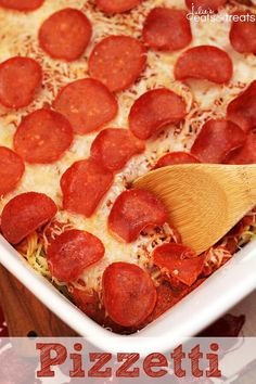 Pizzetti ~ It's Pizza, It's Spaghetti, It's Pizzetti! Yummy Casserole Loaded with Pasta, Cheese and Pepperoni! Use GF pasta I Love Food, Good Food, Yummy Food, Tasty, Easy Meal Plans, Easy Meals, Kid Meals, Great Recipes, Favorite Recipes
