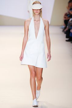 Akris Spring 2015 Ready-to-Wear - Collection - Gallery - Style.com on Vein - getvein.com