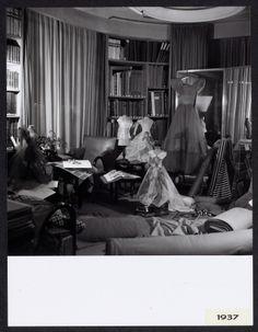 Bureau de Jeanne Lanvin, 1937 © Roger Schall #Lanvin125