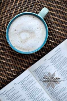 Easy Homemade London Fog [Recipe and Tutorial] - this drink is happiness in a cup!