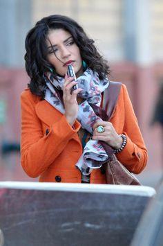 Vanessa Abrams, that is. Gossip Girl's much-maligned character is always up to something. Gossip Girl Dresses, Gossip Girl Outfits, Gossip Girl Fashion, Vanessa Abrams, Dan Humphrey, Nate Archibald, Serena Van Der Woodsen, Chuck Bass, Blair Waldorf