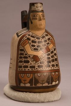 Nasca ceramic bottle, ca. 100 BC - AD The Nasca culture of the southern coast of Peru are most famous for the Nasca lines. Ancient Peruvian, Peruvian Art, Nazca Peru, Colombian Art, Inka, Native American Pottery, Mesoamerican, Indigenous Art, Ancient Artifacts