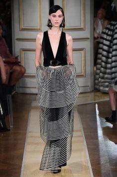 Armani Privé Fall 2018 Couture Collection - Vogue
