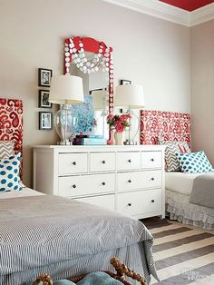 Pretty Shared Bedroom Designs for Girls If your family have two or more kids and don't have enough space to give each one of them a separate bedroom. Here is a great idea to design a shared bedroomfor them. In this post we are sharing some adorable shared Shared Bedroom, Shared Bedrooms, Shared Girls Bedroom, Pretty Headboard, Teenage Girl Bedroom Designs, Bedroom Design, Headboard Decor, Room Decor, Kid Room Decor