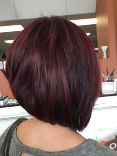 Best Short Hair Color Ideas - This year, the latest trend among the ladies is to go short and try beautiful hair color ideas. Short Hair Cuts, Short Hair Styles, Modern Short Hairstyles, Trendy Haircuts, Hairstyle Short, Hairstyles 2018, Medium Hairstyles, Black Hairstyles, Hairdos