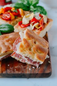 This focaccia recipe can be made your own by adding whatever toppings you want. From salami & cheese to artichokes & roasted red peppers, anything you want. Thai Green Papaya Salad, Wok Of Life, Focaccia Recipe, Types Of Bread, Big Meals, Roasted Red Peppers, Fresh Lime Juice, How To Make Bread, Bread Recipes