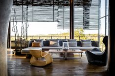 Travel to the Best Luxury Safari Lodges in Africa ⇒ In CovetED has travelled through the world, staying in the most luxurious hotels. Parc National Kruger, Air Hotel, African Interior Design, Lodge Look, Outdoor Furniture Sets, Outdoor Decor, Outdoor Living, Hotel Lobby, Pool Houses
