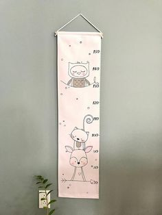 Diy For Kids, Crafts For Kids, Diy Crafts, Dyi Pillows, Baby Messages, Growth Chart Ruler, Baby Presents, Baby Drawing, Gris Rose