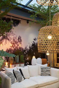 Le loft nature, la nouvelle boutique AM. Outdoor Spaces, Outdoor Living, Outdoor Decor, Basket Lighting, Deco Boheme, Chandelier In Living Room, Fancy Houses, Living Styles, Tropical Decor