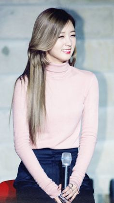 apink bomi 2015 hair - ค้นหาด้วย Google Kpop Girl Groups, Korean Girl Groups, Kpop Girls, Kpop Fashion, Pink Fashion, K Pop, Apink Naeun, 2015 Hairstyles, The Most Beautiful Girl