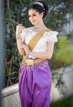 Khmer Wedding, Wedding Costumes, Asian Fashion, Cambodia, Thailand, Wedding Dress, Sari, Woman, Elegant