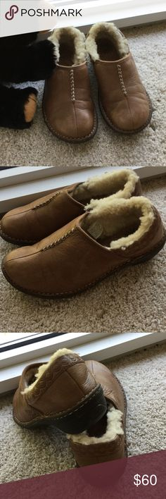 UGG shearling lined shoes, 7 Shearling lined heels and interior of shoe but not on the sole. Good rubber bottom of shoes, corrugated for no slippage on slick ground, 7 worn but in excellent condition UGG Shoes Winter & Rain Boots