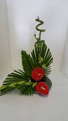 Tropical Flower Arrangements, Creative Flower Arrangements, Flower Arrangement Designs, Father's Day Flowers, Altar Flowers, Silk Flowers, Deco Floral, Arte Floral, Floral Design